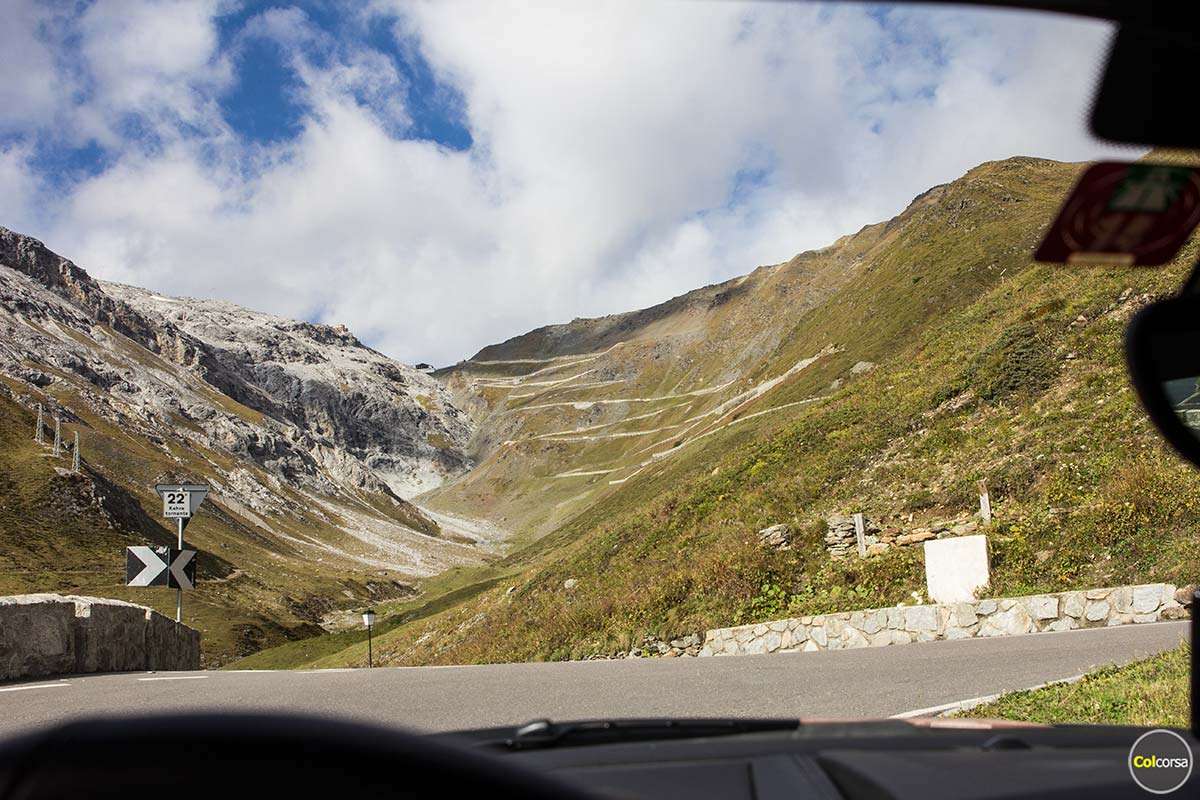 Stelvio Pass is now open - Drive it in a supercar with Colcorsa