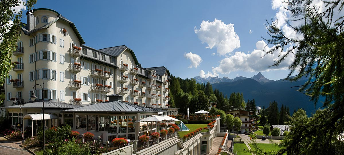 Hotel Cristallo Spa & Golf Cortina d'Ampezzo - Luxury supercar driving holiday in Italy