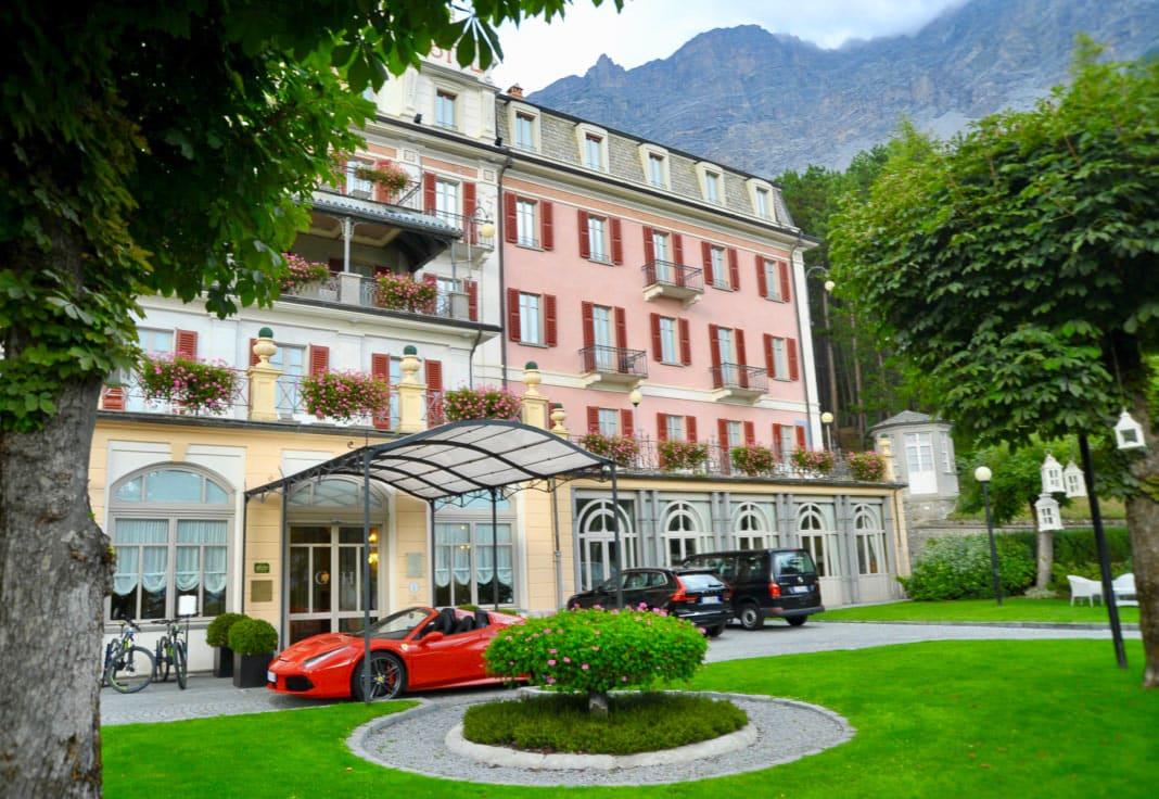 Ferrari Honeymoon Italy - Ferrari 488 Spider - Bagni Nuovi Bormio
