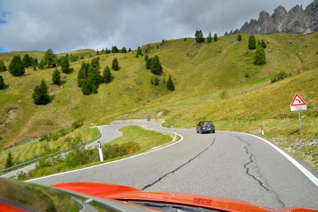 Ferrari Honeymoon Italy - Ferrari 488 Spider - Mountain Pass