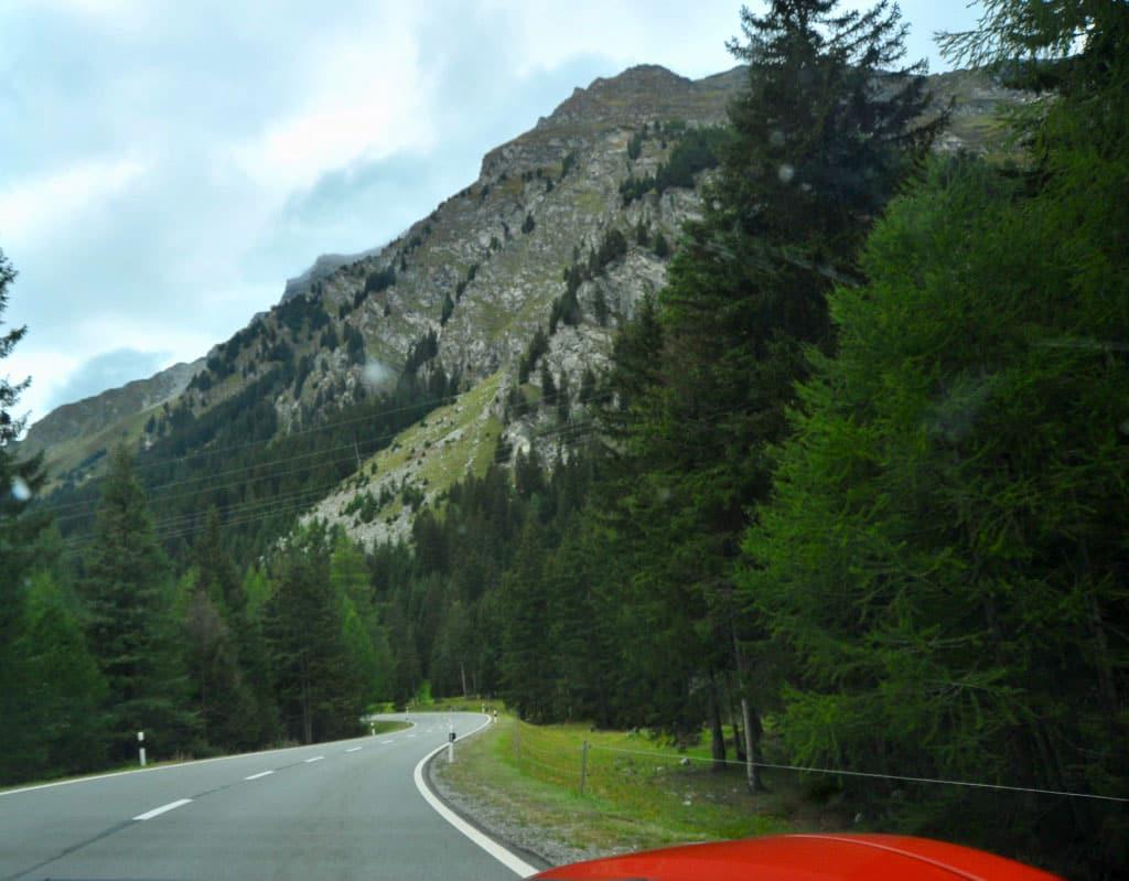 Ferrari Honeymoon Italy - Ferrari 488 Spider - Mountain roads