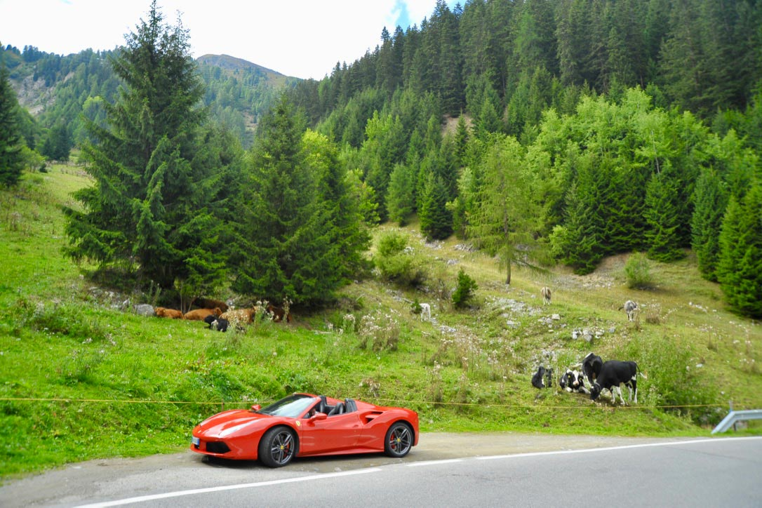 Ferrari Honeymoon Italy - Ferrari 488 Spider - Road Trip Alps
